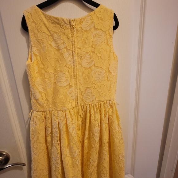 Dress children's place size 8 yellow
